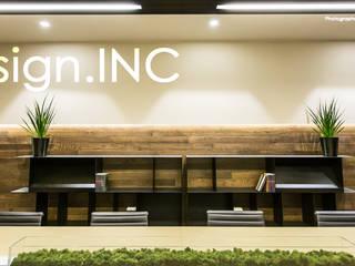 BUSINESS-CUBE Complesso d'uffici in stile minimalista di Design.inc Minimalista