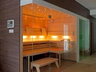 MODERNE VILLA MIT PRIVATEN WELLNESSBEREICH Moderner Spa von stonewater Modern