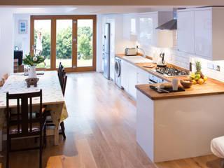 Side Return Extension Cocinas de estilo moderno de FABI Designers & Builders Associates Ltd. Moderno
