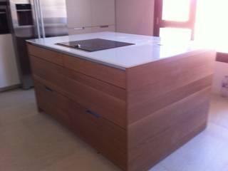 Cocinas de estilo moderno de Lumber Cocinas Moderno