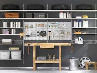 Garage/shed by Regalraum GmbH, Industrial