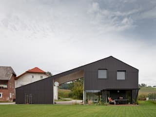 Das kleine Schwarze:  Häuser von xarchitekten
