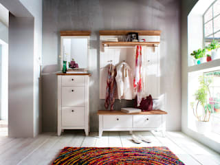 Mediterranean style dressing room by Seart Mediterranean