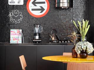 Studio ro+ca Кухня в стиле модерн