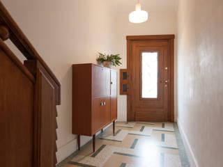 studio k Koridor & Tangga Modern