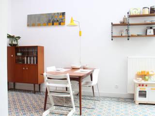 eetruimte: moderne Eetkamer door studio k