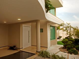 منازل تنفيذ Designer de Interiores e Paisagista Iara Kílaris,