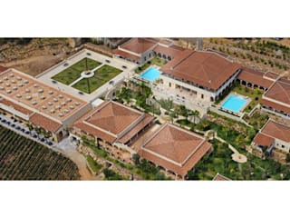 Vista aerea: Hotel in stile  di Studio Tecnico Associato Cast&llo Engineering
