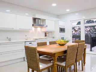 Kitchen by dsgnduo, Modern