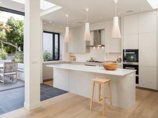 Cocinas de estilo  de Jones Associates  Architects