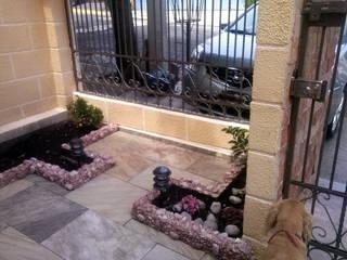 Exterior Jardinera: Casas de estilo  por Estudio Ideas