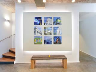 Konzept und Realisierung Büro/Ladenlokal von Lars Führmann Tischlerei Minimalistisch