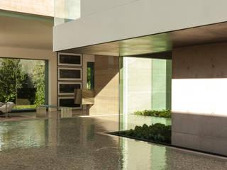 ML Residence Ingresso, Corridoio & Scale in stile moderno di Gantous Arquitectos Moderno