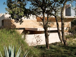 AV Residence by Gantous Arquitectos Сучасний