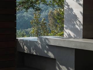 BB Residence Balkon, Beranda & Teras Modern Oleh Gantous Arquitectos Modern