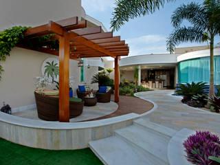 منازل تنفيذ Designer de Interiores e Paisagista Iara Kílaris