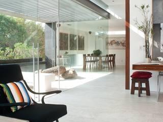 Polanco Penthouse Pasillos, vestíbulos y escaleras de estilo moderno de Gantous Arquitectos Moderno
