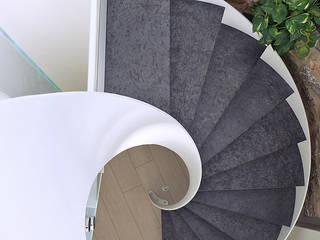 mediterraner Flur, Diele & Treppenhaus von Maurizio Grassi Architetto