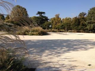 Jardin d'hospitalité Hôpitaux méditerranéens par ESKIS Paysagistes Méditerranéen