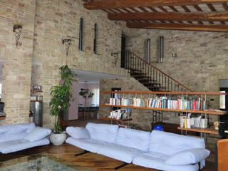 landhausstil Wohnzimmer von Studio di Bioarchitettura Brozzetti Adriano