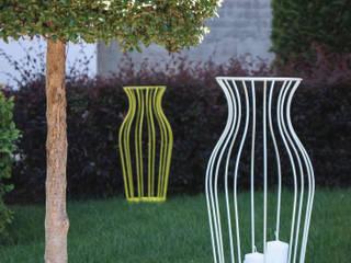 Ideas for the outdoors:  in stile  di Progetti, Moderno