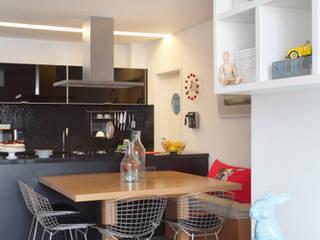 Apartamento Botafogo: Salas de jantar  por Barbara Filgueiras arquitetura,Moderno