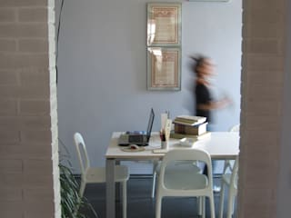 Modern Study Room and Home Office by Studio Architettura x Sostenibilità Modern