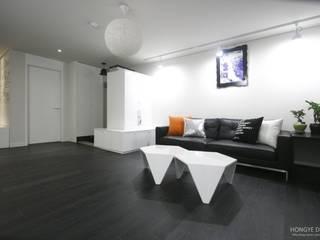 Living room by 홍예디자인, Modern