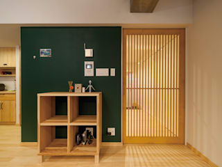 Dinding & Lantai Modern Oleh 株式会社 アポロ計画 リノベエステイト事業部 Modern