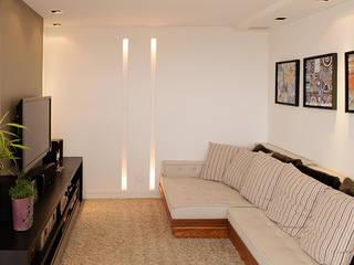 JOSÉ JANNARELLI Salas multimídia modernas por AWDS Arquitetura e Design de Interiores Moderno