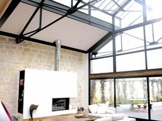 Transformation ferronnerie en Loft/maison de ville Salon moderne par Selig&Renault Moderne