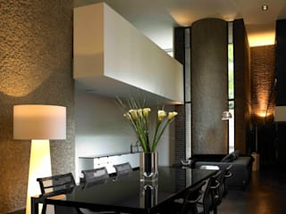 Apartment 60 Mackay + Partners Modern dining room