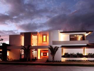 Casas estilo moderno: ideas, arquitectura e imágenes de AMEC ARQUITECTURA Moderno
