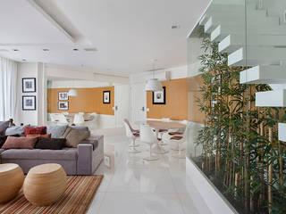 Jardin d'hiver moderne par Cadore Arquitetura Moderne