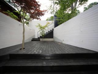 Balcone, Veranda & Terrazza in stile eclettico di space craft Eclettico