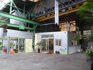 町工場をコンバージョンした美容院&イベントスペース オリジナルな商業空間 の アーテック・にしかわ/アーテック一級建築士事務所 オリジナル