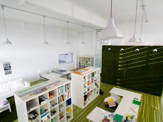 Oficinas de estilo moderno de Estatiba construcción, decoración y reformas en Ibiza y Valencia Moderno
