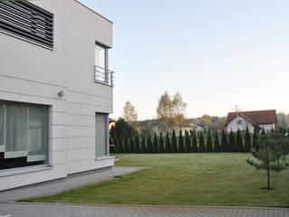 Haus in Hornówek: moderne Häuser von NUX Edward Dylawerski