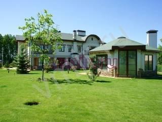 Eclectic style houses by Архитектурно строительная компания Внутренний мир Eclectic