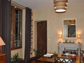 Salle à manger - Avant:  de style  par Corinne Decerle Architecture et Décoration d'Intérieur