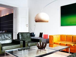 Appartment H destilat Design Studio GmbH Moderne Wohnzimmer
