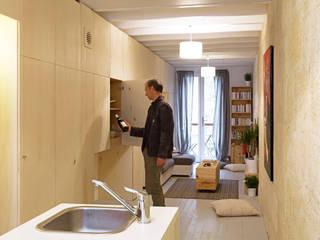 Maison étroite Salon minimaliste par brachard de tourdonnet Minimaliste