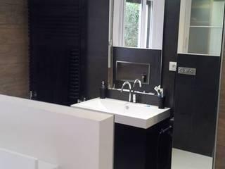 Rénovation d'une maison moderne Chambre moderne par CLAI Moderne