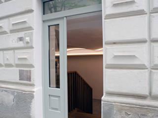 Haupteingang:  Bürogebäude von Salonparallel