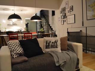 Maison L: Salon de style de style Industriel par Courants Libres