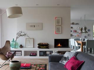 leefruimte:  Woonkamer door Boks architectuur, Modern