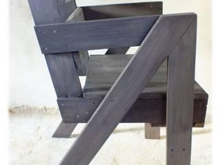 Fauteuils en bois de palette:  de style  par La Fée rabote