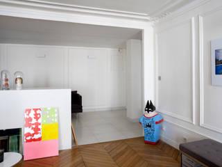 Koridor & Tangga Modern Oleh ATELIER FB Modern
