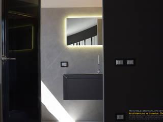 Minimalistische Badezimmer von Rachele Biancalani Studio Minimalistisch