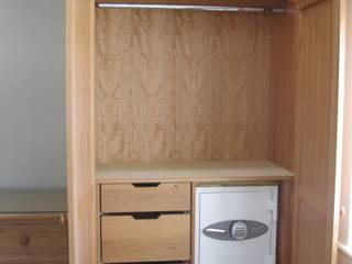 Bedroom Furniture Harrogate:  Bedroom by INGLISH DESIGN